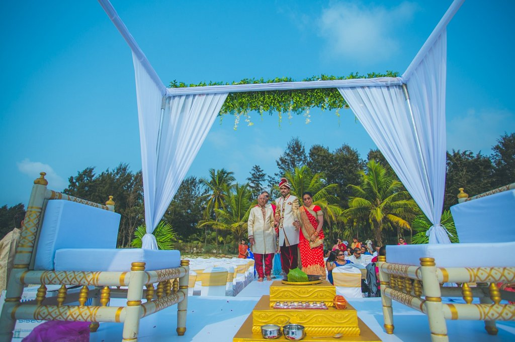 Beach-wedding-photography-shammi-sayyed-photography-India-28.jpg