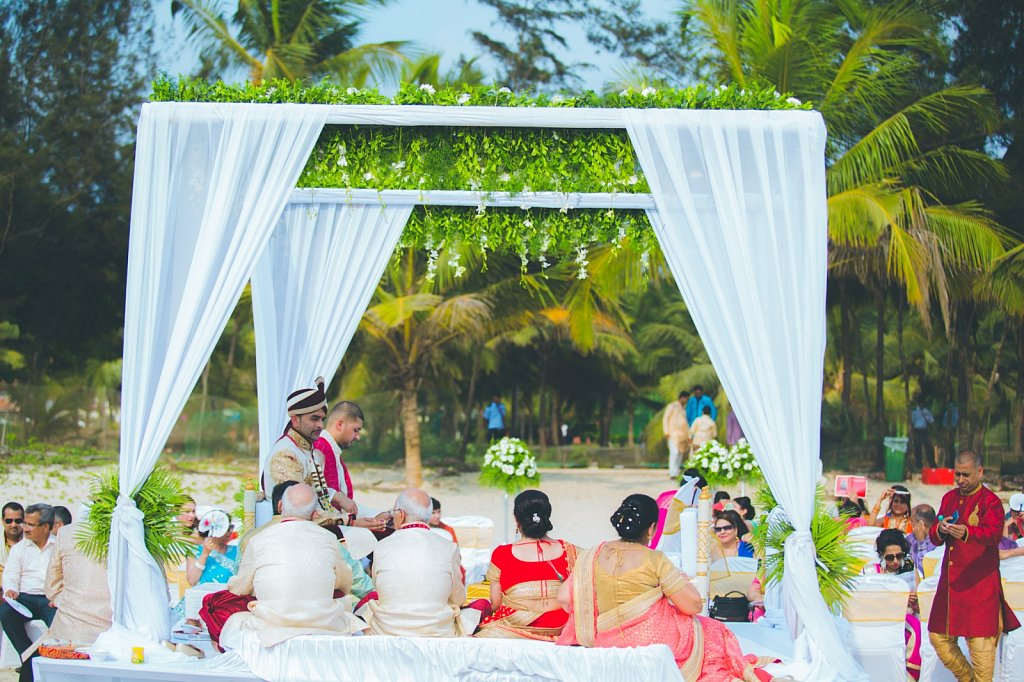 Beach-wedding-photography-shammi-sayyed-photography-India-30.jpg